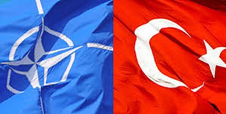 وزیر خارجه یونان: رفتار ترکیه انسجام ناتو را تهدید می نماید