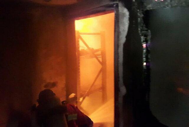 مهار آتش سوزی یک انبار ذغال در تجریش