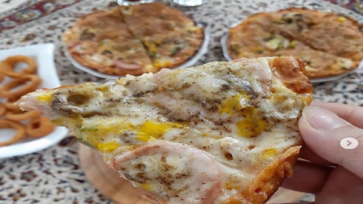 طرز تهیه یک پیتزای خوشمزه بدون احتیاج به فر