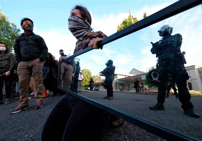 50 شب ناآرامی در پورتلند، پلیس تا دندان مسلح آمریکا علیه معترضان به تبعیض نژادی