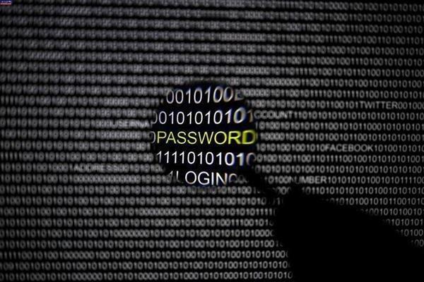 امنیت شبکه ارتباطی فضای مجازی به نقد گذاشته می گردد