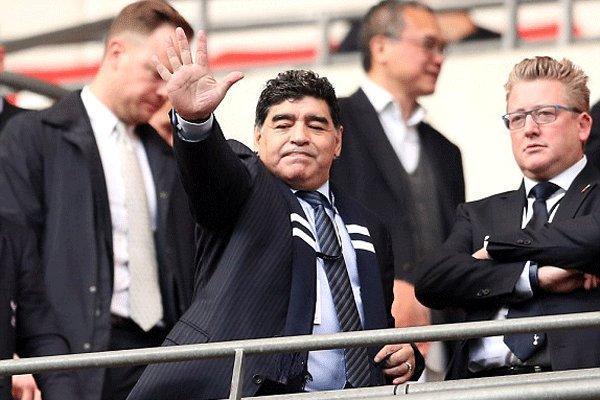 تیترهای جذاب در مورد مرگ مارادونا، معشوقه بزرگ فوتبال از دنیا رفت