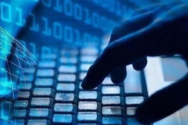 جزییات حمله هکری به نهادهای اطلاعاتی آمریکا، هکرها ماه ها ایمیل های کارمندان را رصد کرده اند