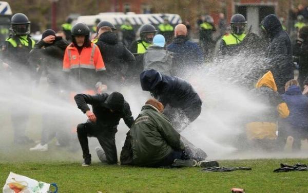 بازداشت 240 نفر از معترضان به محدودیت های کرونایی در هلند