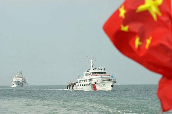 ناوشکن آمریکایی حریم آبی چین را شکست